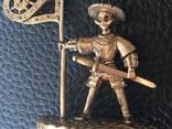 Bronze souvenirs. Statuettes, thimbles, trinkets, keychain. - photo 8